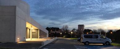 Vue de l'école au coucher du soleil